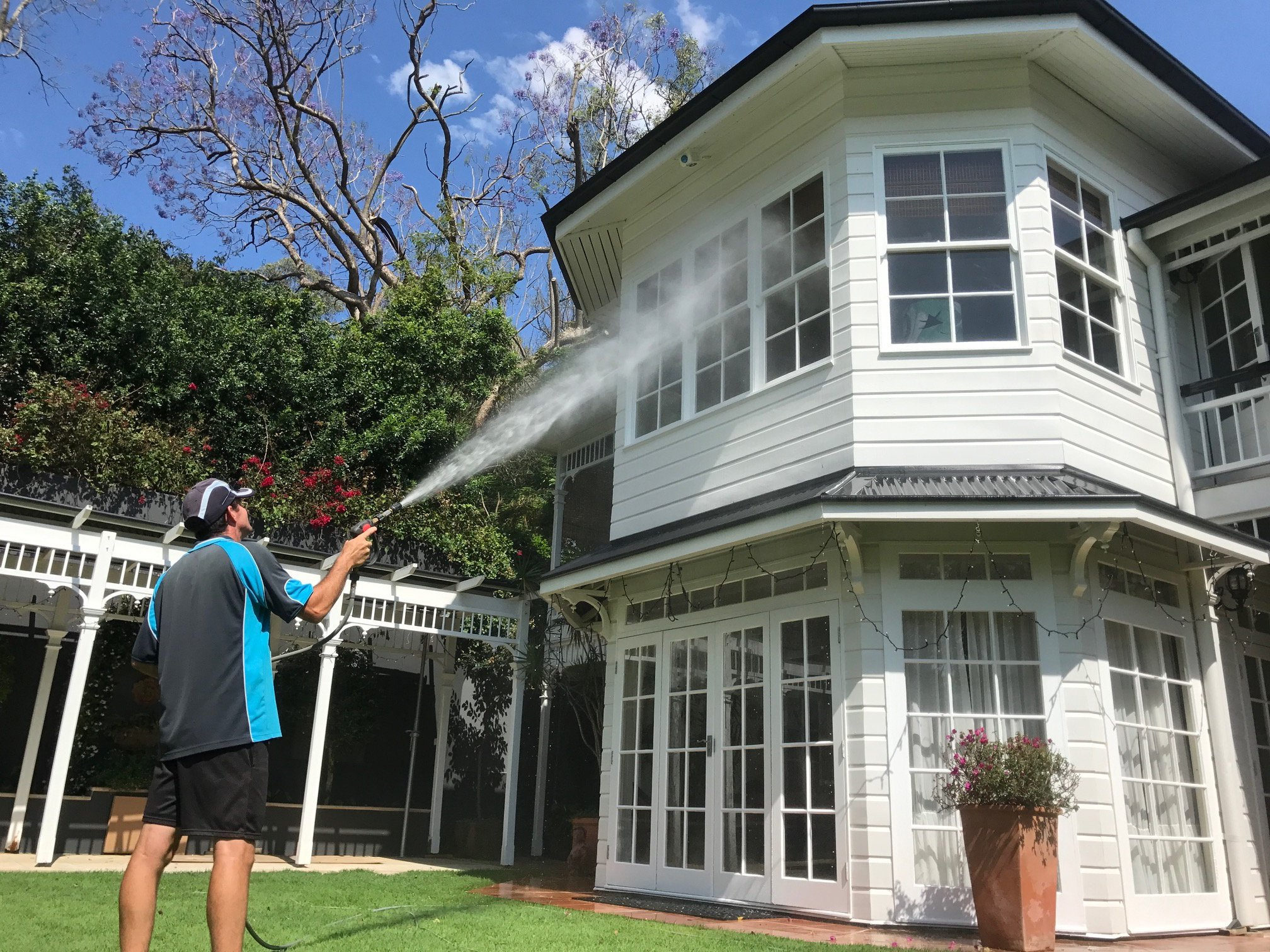 Brisbane CBD Roof washing services